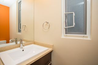 Photo 11: 598 E 16TH Avenue in Vancouver: Fraser VE House 1/2 Duplex for sale (Vancouver East)  : MLS®# R2461051