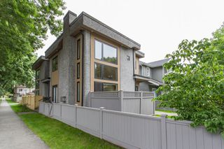 Photo 30: 598 E 16TH Avenue in Vancouver: Fraser VE House 1/2 Duplex for sale (Vancouver East)  : MLS®# R2461051