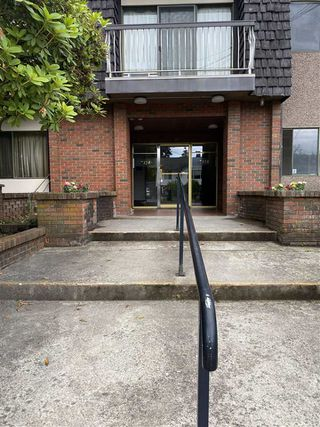 "Main Photo: 312 7428 19TH Avenue in Burnaby: Edmonds BE Condo for sale in ""Chateau Lyon"" (Burnaby East)  : MLS®# R2470054"