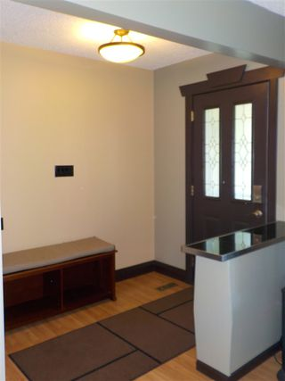 Photo 3: 10511 35 Avenue in Edmonton: Zone 16 House for sale : MLS®# E4208546