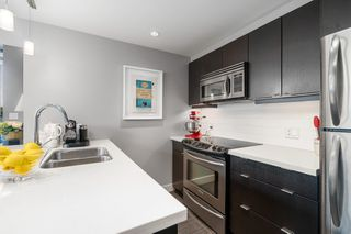 Photo 9: 502 760 Johnson St in : Vi Downtown Condo for sale (Victoria)  : MLS®# 855239