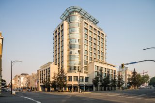 Photo 2: 502 760 Johnson St in : Vi Downtown Condo for sale (Victoria)  : MLS®# 855239