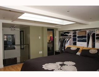 """Photo 3: 405 338 W 8TH Avenue in Vancouver: Mount Pleasant VW Condo for sale in """"LOFT 338"""" (Vancouver West)  : MLS®# V785630"""