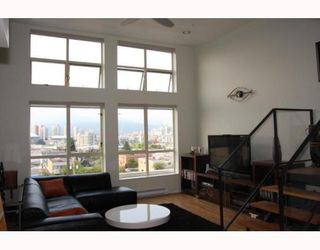 """Photo 1: 405 338 W 8TH Avenue in Vancouver: Mount Pleasant VW Condo for sale in """"LOFT 338"""" (Vancouver West)  : MLS®# V785630"""
