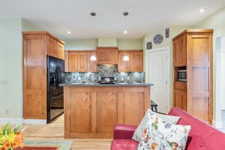 Photo 12: 2214 Broadview Road NW in Calgary: West Hillhurst Semi Detached for sale : MLS®# A1042467