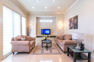 Photo 6: 5581 FORGLEN Drive in Burnaby: Forest Glen BS House for sale (Burnaby South)  : MLS®# R2526153