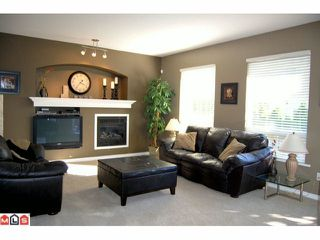 """Photo 2: 14 7067 189TH Street in Surrey: Clayton House for sale in """"CLAYTONBROOK"""" (Cloverdale)  : MLS®# F1025164"""