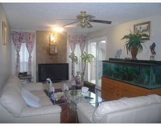 Photo 3: 52 MAITLAND Green NE in CALGARY: Marlborough Park Residential Detached Single Family for sale (Calgary)  : MLS®# C3354758