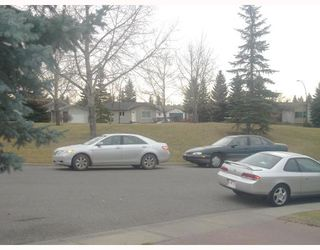 Photo 9: 52 MAITLAND Green NE in CALGARY: Marlborough Park Residential Detached Single Family for sale (Calgary)  : MLS®# C3354758