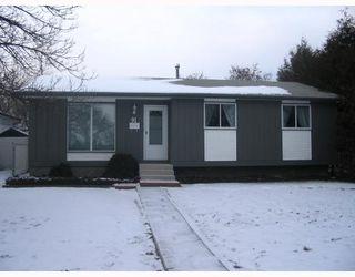 Photo 1: 91 DORGE Drive in WINNIPEG: Fort Garry / Whyte Ridge / St Norbert Residential for sale (South Winnipeg)  : MLS®# 2822323