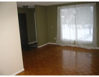 Photo 2: 91 DORGE Drive in WINNIPEG: Fort Garry / Whyte Ridge / St Norbert Residential for sale (South Winnipeg)  : MLS®# 2822323
