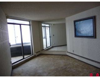 "Photo 3: 507 1480 FOSTER Street in White_Rock: White Rock Condo for sale in ""Whtie Rock Square I"" (South Surrey White Rock)  : MLS®# F2900505"