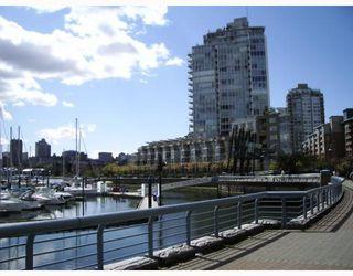 Photo 9: 703 193 AQUARIUS MEWS BB in Vancouver: False Creek North Condo for sale (Vancouver West)  : MLS®# V752387