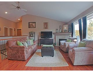 Photo 3: 11870 WEST Street in Maple_Ridge: Southwest Maple Ridge House for sale (Maple Ridge)  : MLS®# V754770