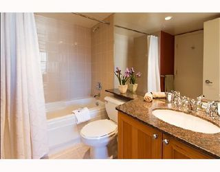 """Photo 2: 1105 1723 ALBERNI Street in Vancouver: West End VW Condo for sale in """"THE PARK"""" (Vancouver West)  : MLS®# V771096"""