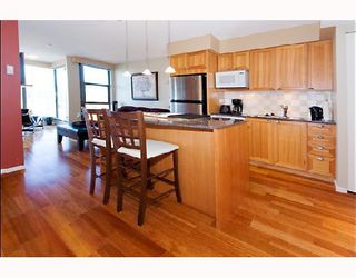 """Photo 6: 1105 1723 ALBERNI Street in Vancouver: West End VW Condo for sale in """"THE PARK"""" (Vancouver West)  : MLS®# V771096"""