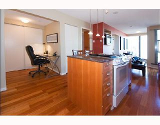 """Photo 8: 1105 1723 ALBERNI Street in Vancouver: West End VW Condo for sale in """"THE PARK"""" (Vancouver West)  : MLS®# V771096"""