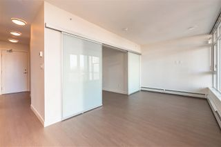 "Photo 5: 1110 13308 CENTRAL Avenue in Surrey: Whalley Condo for sale in ""Evolve"" (North Surrey)  : MLS®# R2400520"