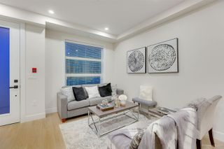 Photo 4: 2629 DUKE Street in Vancouver: Collingwood VE Townhouse for sale (Vancouver East)  : MLS®# R2428651