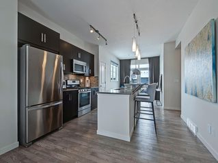 Photo 8: 624 WALDEN Circle SE in Calgary: Walden Row/Townhouse for sale : MLS®# C4288347