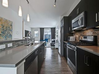 Photo 6: 624 WALDEN Circle SE in Calgary: Walden Row/Townhouse for sale : MLS®# C4288347