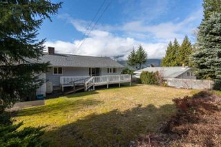"Photo 17: 38200 HOSPITAL Place in Squamish: Hospital Hill House for sale in ""Hospital Hill"" : MLS®# R2440002"