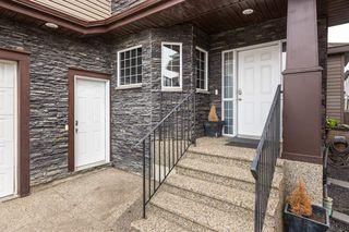 Photo 2: 1719 69 Street SW in Edmonton: Zone 53 House for sale : MLS®# E4198055