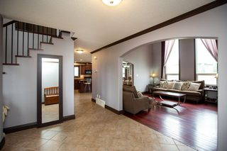 Photo 3: 1719 69 Street SW in Edmonton: Zone 53 House for sale : MLS®# E4198055