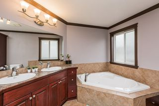 Photo 28: 1719 69 Street SW in Edmonton: Zone 53 House for sale : MLS®# E4198055