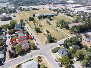 Photo 3: 2012 Alexander Street SE in Calgary: Ramsay Detached for sale : MLS®# A1050546