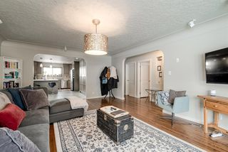 Photo 10: 2012 Alexander Street SE in Calgary: Ramsay Detached for sale : MLS®# A1050546