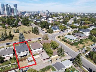 Photo 2: 2012 Alexander Street SE in Calgary: Ramsay Detached for sale : MLS®# A1050546