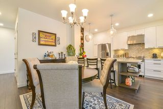 """Photo 5: 307 33540 MAYFAIR Avenue in Abbotsford: Central Abbotsford Condo for sale in """"RESIDENCES AT GATEWAY"""" : MLS®# R2527416"""
