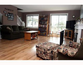 Photo 3: 3 5053 47TH Avenue in Ladner: Ladner Elementary Townhouse for sale : MLS®# V798564