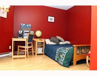 Photo 9: 3 5053 47TH Avenue in Ladner: Ladner Elementary Townhouse for sale : MLS®# V798564