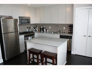 "Photo 2: 801 298 E 11TH Avenue in Vancouver: Mount Pleasant VE Condo for sale in ""SOPHIA"" (Vancouver East)  : MLS®# V818625"