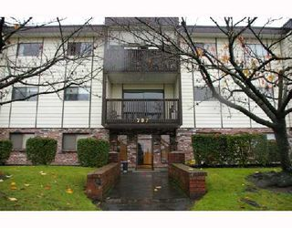 Photo 1: 106 707 NORTH Road in Coquitlam: Coquitlam West Condo for sale : MLS®# V743264