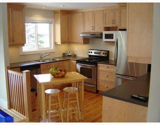 Photo 2: 504 SHELLEY Street in WINNIPEG: Westwood / Crestview Residential for sale (West Winnipeg)  : MLS®# 2902573