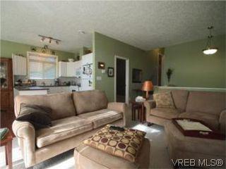 Photo 2: 655 Grenville Ave in VICTORIA: Es Rockheights Half Duplex for sale (Esquimalt)  : MLS®# 504942