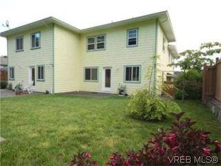 Photo 19: 655 Grenville Ave in VICTORIA: Es Rockheights Half Duplex for sale (Esquimalt)  : MLS®# 504942