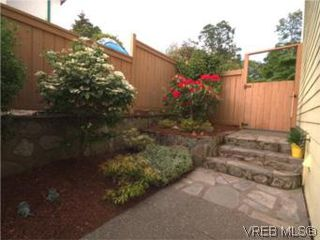 Photo 17: 655 Grenville Ave in VICTORIA: Es Rockheights Half Duplex for sale (Esquimalt)  : MLS®# 504942