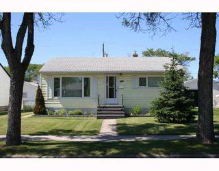 Photo 1:  in WINNIPEG: St Vital Residential for sale (South East Winnipeg)  : MLS®# 2912633