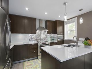 """Photo 8: 101 8080 BLUNDELL Road in Richmond: Garden City Townhouse for sale in """"YEW TOWNHOMES"""" : MLS®# R2400683"""