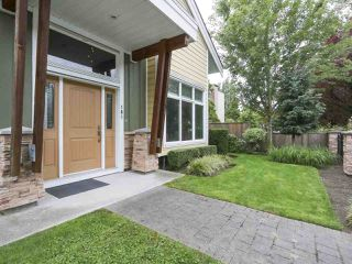 """Photo 2: 101 8080 BLUNDELL Road in Richmond: Garden City Townhouse for sale in """"YEW TOWNHOMES"""" : MLS®# R2400683"""