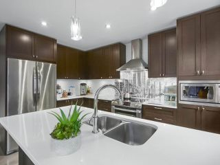 """Photo 9: 101 8080 BLUNDELL Road in Richmond: Garden City Townhouse for sale in """"YEW TOWNHOMES"""" : MLS®# R2400683"""