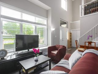 """Photo 3: 101 8080 BLUNDELL Road in Richmond: Garden City Townhouse for sale in """"YEW TOWNHOMES"""" : MLS®# R2400683"""