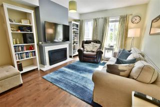 "Photo 2: 27 8930 WALNUT GROVE Drive in Langley: Walnut Grove Townhouse for sale in ""Highland Ridge"" : MLS®# R2409758"