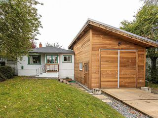 Photo 1: 10208 Resthaven Drive in SIDNEY: Si Sidney North-East Single Family Detached for sale (Sidney)  : MLS®# 417020