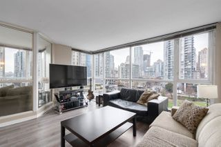 "Main Photo: 709 1188 RICHARDS Street in Vancouver: Yaletown Condo for sale in ""Park Plaza"" (Vancouver West)  : MLS®# R2430452"