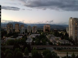 """Photo 2: 2206 6188 PATTERSON Avenue in Burnaby: Metrotown Condo for sale in """"The Wimbledon Club"""" (Burnaby South)  : MLS®# R2436111"""